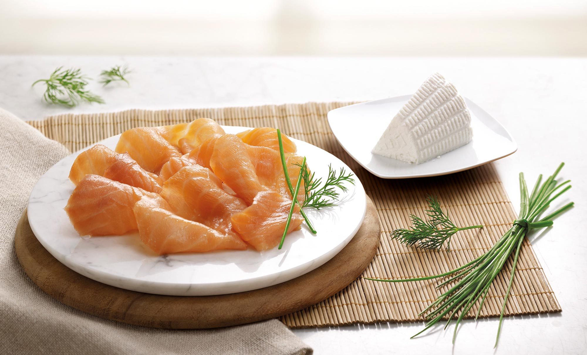 fresh salmon by Studio Ros post produzione e 3D | Fuorizona food agency